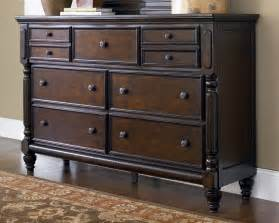 Furniture Bedroom Dressers Furniture Gt Bedroom Furniture Gt Dresser Gt Town Dresser