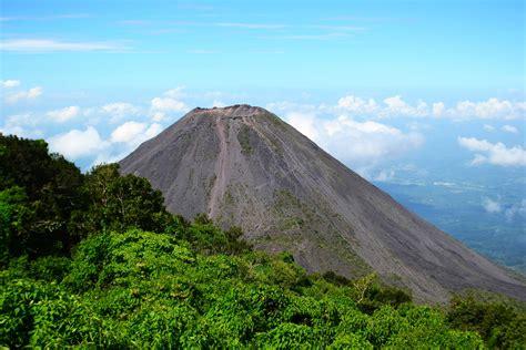 el salvador hiking the santa ana volcano don t forget to move