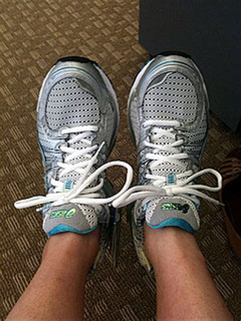 tie running shoes properly tie your running shoes properly popsugar fitness