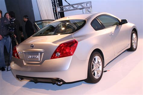 nissan coupe 2006 la auto show 2008 nissan altima coupe the poor man s