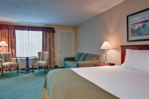Cabins In Moncton Nb by Inn Express Hotel Suites Exp Moncton Pet Policy