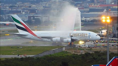 a380 interni airbus a380 800 emirates landing and water salute at