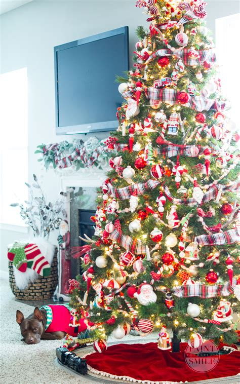 holiday home tour classic christmas decor classic red white plaid christmas decorations paint