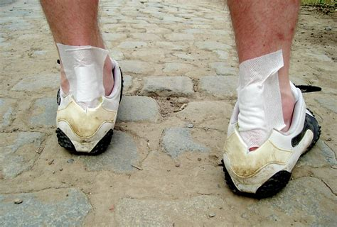 how to make uncomfortable shoes comfortable the health dangers from wearing uncomfortable shoes