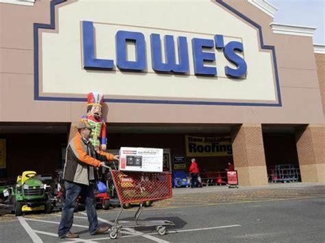 lowes  hire    seasonal workers