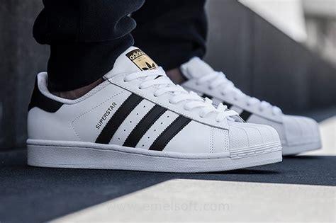 shoes at footlocker adidas shoes at foot locker
