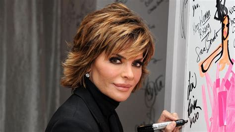 How Does Lisa Rinnsblow Dry Her Hair | how do you cut your hair like lisa rinna s reference com