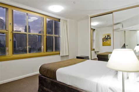 one bedroom apartment in sydney oaks hyde park plaza official website hyde park hotel