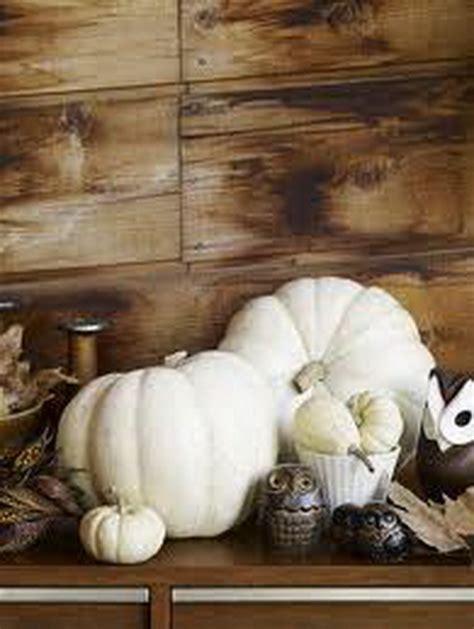 thanksgiving fall autumn white pumpkin centerpiece and decorating ideas