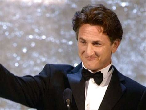 2004 oscars best actor sean penn wins his first oscar for best actor in one