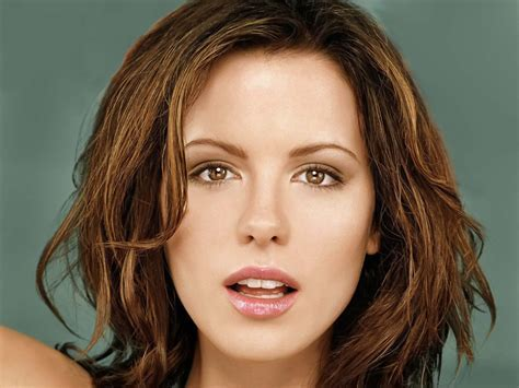 Hairstyles And Haircuts: Kate Beckinsale Hairstyles