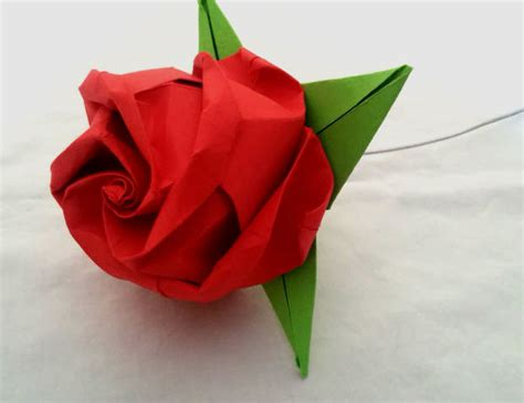 Origami Roses - fold an origami 16 steps