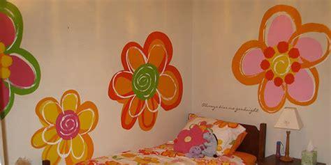 remodelaholic hand painted flowers   girls room