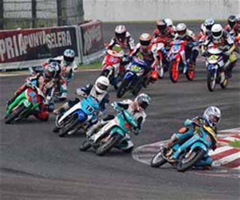 film balap mobil luar negeri bedanya balap motor dan mobil indonesia dengan luar negeri