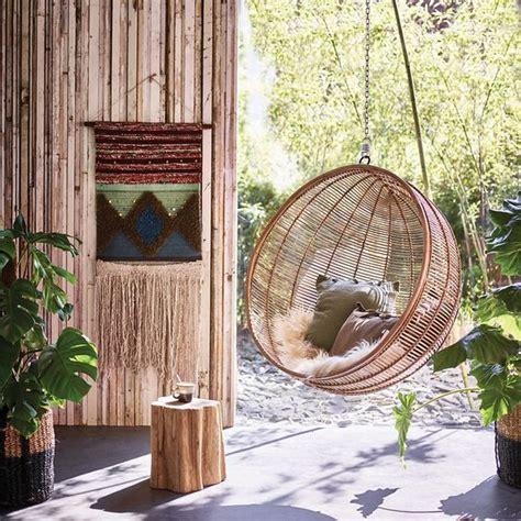 fotel wiszacy rattanowy naturalny kare design nowoczesne