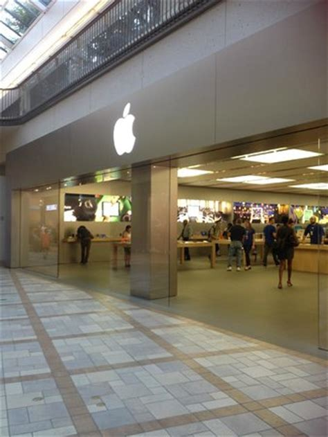 apple store photo de rideau centre ottawa tripadvisor