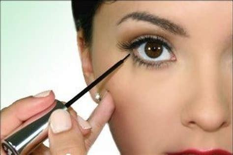 eyeliner tutorial lower lid quick tips on applying liquid eyeliner eyeshadow