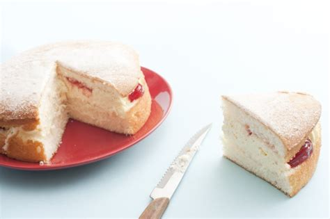 Wedges Spons Cakep wedge of sponge cake with jam and free stock image
