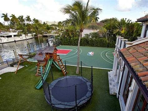 scottie pippen house scottie pippen s epic basketball house up for sale