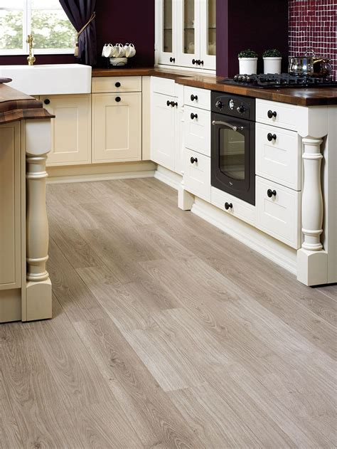 laminaat in keuken quick step laminate flooring perspective light grey