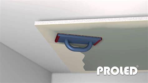 come montare un controsoffitto montare un profilo per cartongesso illuminato con led