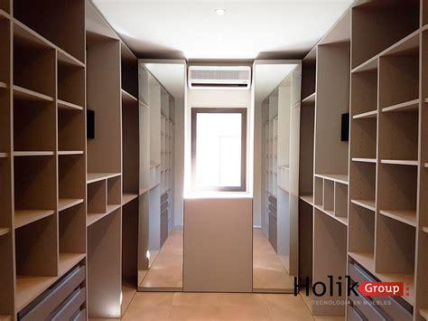 muebles de vestidor muebles de vestidor vestidor moderno con pared de vidrio