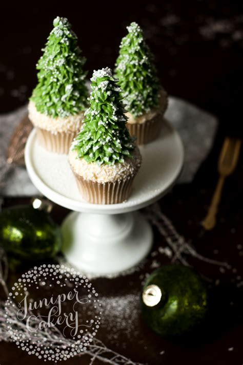 cupcake christmas tree decirations how to make tree cupcakes