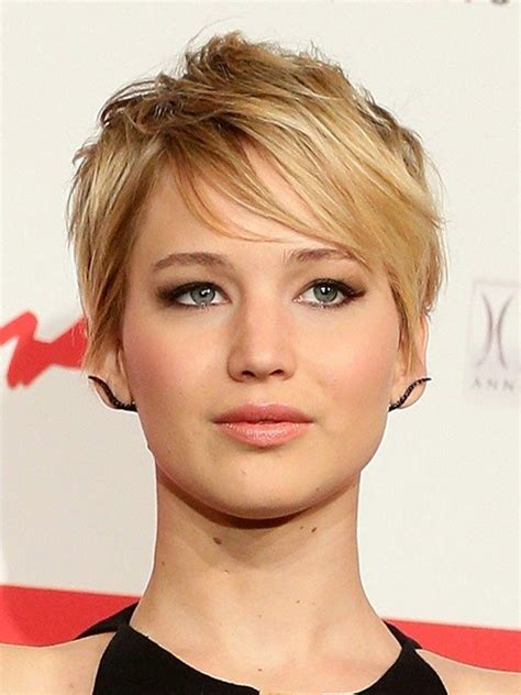 catching fire uk premiere pics brand  hair