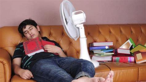 foto kapasitor kipas angin tag bahaya kipas angin kamu anak kos suka tidur pakai kipas angin awas 6 bahaya ini
