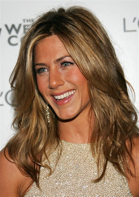 highlights for 40 yr old women the best hairstyles at age 20 30 40 and older