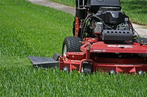 Landscaper Lawn Mower Snyder S Landscape Design Inc Dimondale Mi Grounds