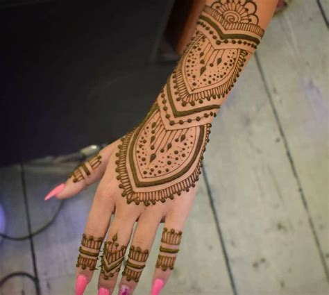 how much does a henna tattoo cost what is henna how does it last how much does it
