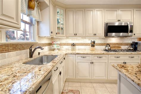 ivory kitchen ideas fabuwood wellington ivory glaze kitchen traditional