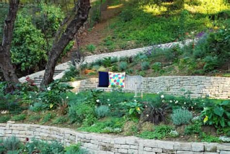 Steep Backyard Solutions by Great Looking Yard Solutions What To Plant On Slope