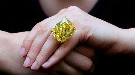 16 88 Ct Citrine Memo uitzonderlijke gele diamant voor recordprijs geveild