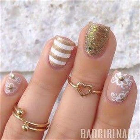 imagenes de uñas negras con dorado las 25 mejores ideas sobre u 241 as doradas en pinterest y m 225 s