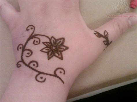 henna tattoo rings henna flower and thumb ring