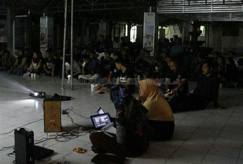 film dokumenter jagal lpm kinday putar film jagal di kus radar banjarmasin