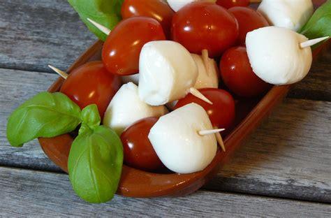 tomate mozzarella schön anrichten tapas tomate mozzarella spie 223 chen katha kocht
