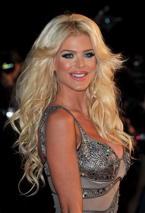 victoria silvstedt photo    pics wallpaper photo  theplace