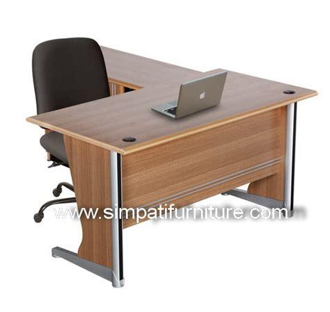 Meja Kantor Uno uno office furniture penyekat partisi kantor murah harga
