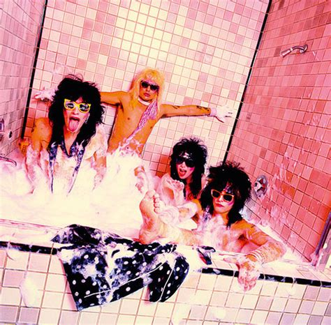 Motley Crue Bathtub by Pippy And Sarahs Spot Of Awesomeness Images Motley Crue