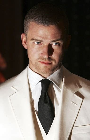 Justin Timberlake Gets Waxed by It S Justin Timberlake S Birthday Celebrate With 32 Of