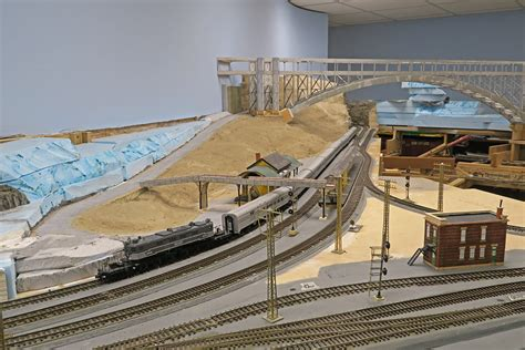 model railroader video layout tour victor hand s layout description maine model railroad tour