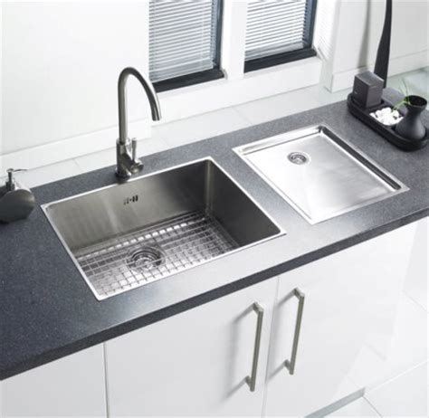 designer kitchen sinks 5 ways to get a designer kitchen look on a shoestring