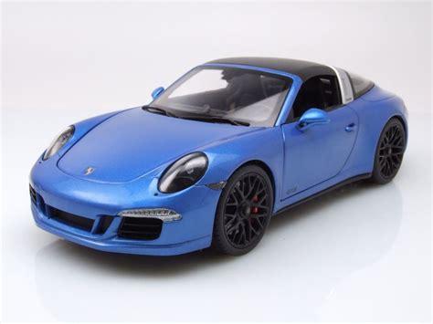 Porsche Modellauto 911 by Porsche 911 991 Targa 4 Gts Blau Metallic Modellauto 1