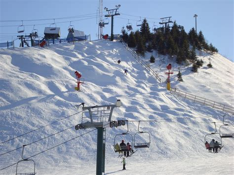 southeast michigan skiers enjoy the slopes closer to home