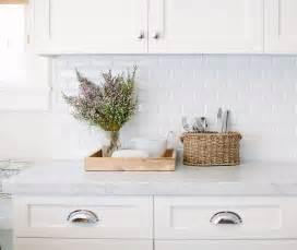 white tile kitchen backsplash best 25 white subway tile backsplash ideas on pinterest