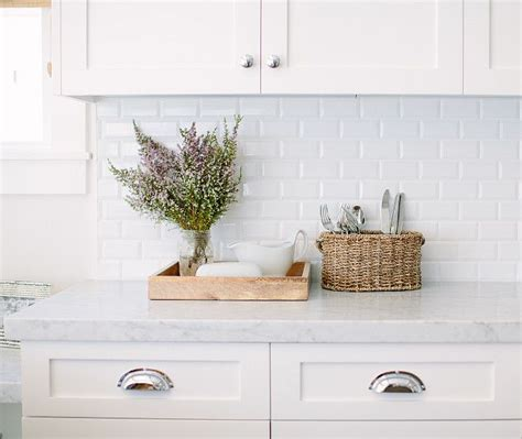 2x4 Beveled Subway Tile Backsplash by Best 25 White Subway Tiles Ideas On Subway