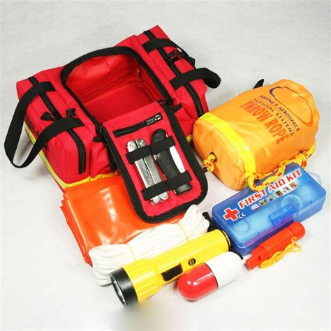 boat emergency kit an in depth guide to selecting the right survival kit